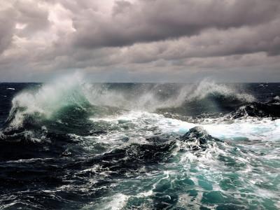 Morze nie jedno ma imię czyli o doznaniach między niebem, a ziemią… – Rafał Jan Krause