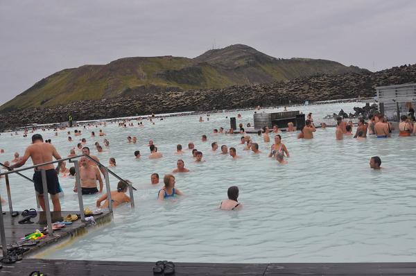 Reykjavik, Blue Lagoon z ciepłymi źródłami.
